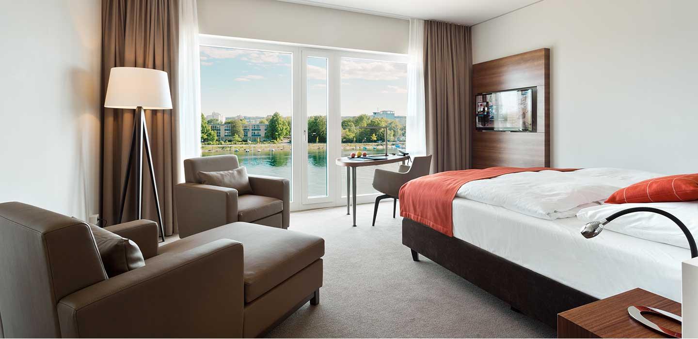 deluxe zimmer 47 hotel konstanz hotel 47 in konstanz am bodensee. Black Bedroom Furniture Sets. Home Design Ideas