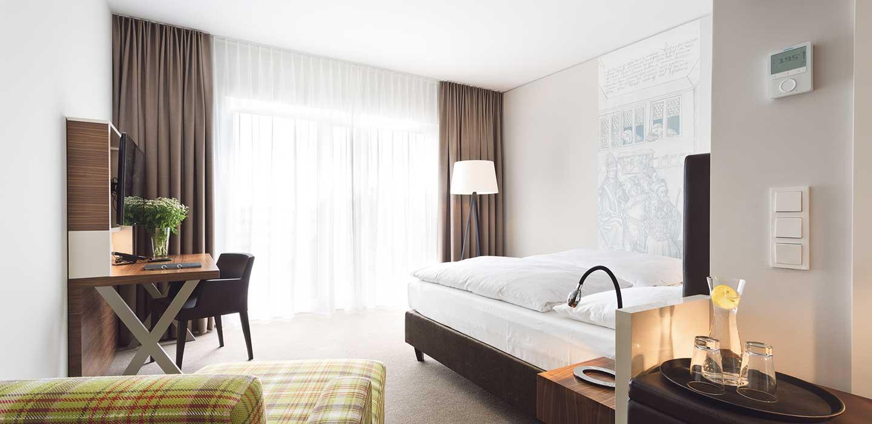 select zimmer 47 hotel konstanz hotel 47 in konstanz am bodensee. Black Bedroom Furniture Sets. Home Design Ideas