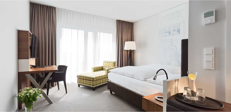 select plus zimmer 47 hotel konstanz hotel 47 in konstanz am bodensee. Black Bedroom Furniture Sets. Home Design Ideas