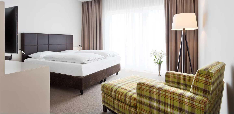 superior zimmer 47 hotel konstanz hotel 47 in konstanz am bodensee. Black Bedroom Furniture Sets. Home Design Ideas