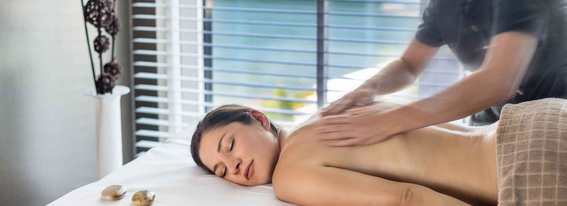 Massage beim Wellness Angebot